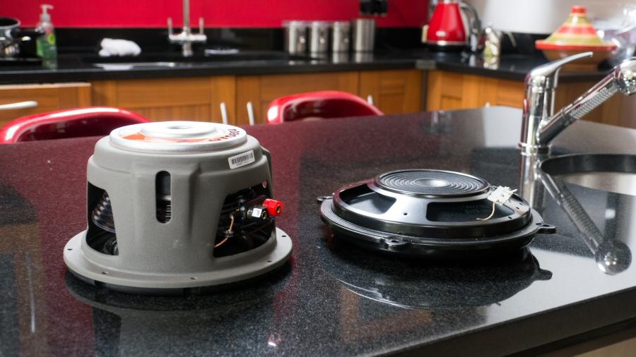 nissan r35 gtr plug 39 n 39 play subwoofer kit bose. Black Bedroom Furniture Sets. Home Design Ideas